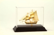 Thuyền buồm mạ vàng cỡ nhỏ