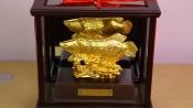 Tượng cá rồng dát vàng 24k